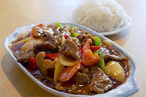 70. Sautéed Beef with Sweet & Sour Sauce